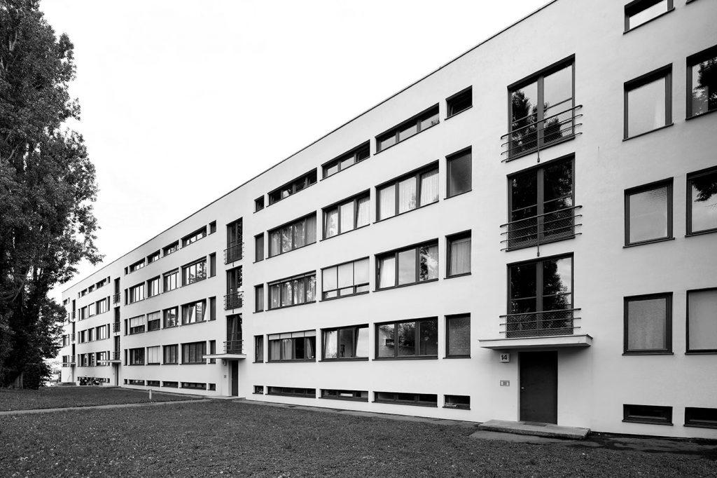 Weissenhofsiedlung Stuttgart - Mehrfamilienhaus von Mies van der Rohe - Künstlerischer Leiter der Weissenhofsiedlung